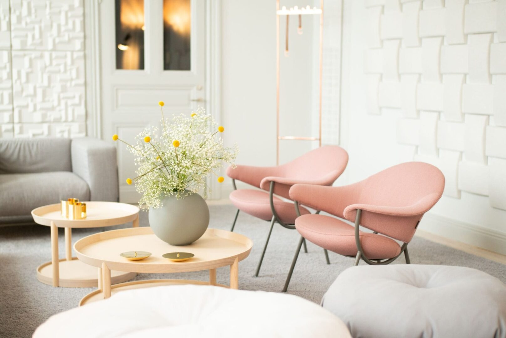 Pink Easy Chairs With Arm Rests